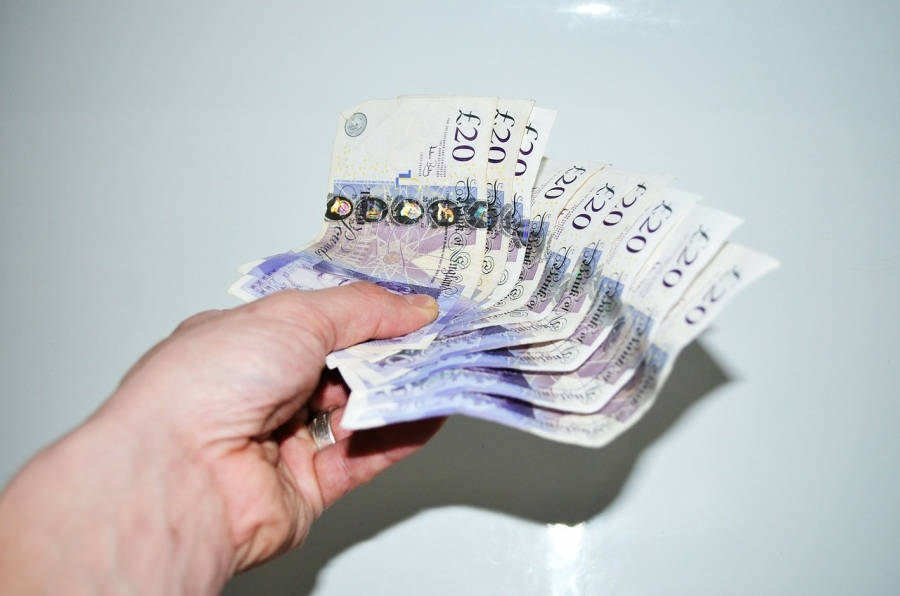 Fast Loans UK - What Are They and Where Can They Be Found?